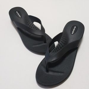 OKABASHI Sandal Black Rubber Thong Flip Flops Sz L